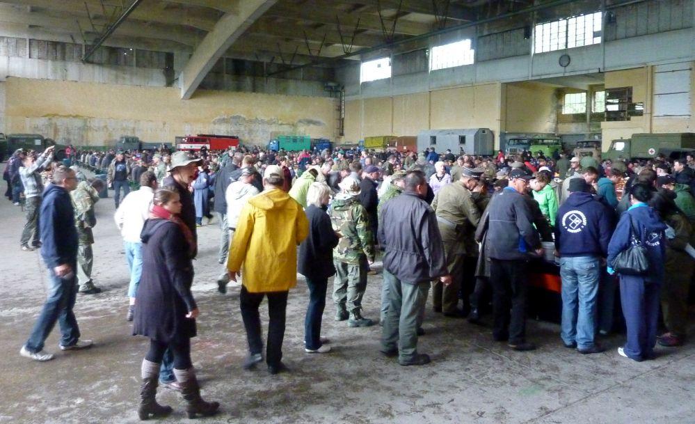 Verpflegung beim 10. Ostblockfahrzeugtreffen 2011 in Pütnitz